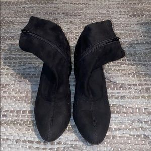 Steve Madden soft suede ankle booties